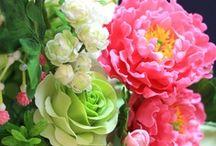 CAKE DECO FONDANT: Flowers / by Frances Galvez
