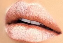 Lips / Lipsticks, Lipstick Colors, Liquid Lipsticks, Lip Liners, and all the Lip Makeup Looks