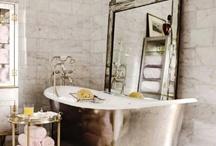 Bathrooms / by Cristina Planas