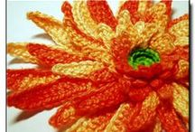 CROCHET flowers and leaves / by Fien Harini