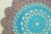 Crochet rug & pouf ♥