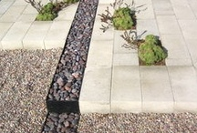 Gravel in the garden / Gravel is a great water permeable ground cover.