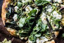 Food / Pizza / dough, homemade, vegetarian, sauce, tomato, mozzarella