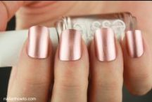 Nails and colors... / by Dany Joinovici