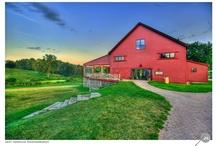 Barn Obsession! / http://bluemasonjarstudio.blogspot.com/2012/10/barn-wedding-dream-location.html