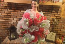 Pinterest Christmas Wreath Party 11/15/2013 / Group of ladies got together and Sherry taught them how to make mesh and traditional wreaths.