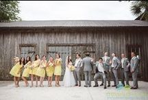 Cotton Dock at Boone Hall Plantation Wedding / This sweet southern wedding had lots of peachy details and rustic touches and the Cotton Dock at Boone Hall Plantation never disappoints!