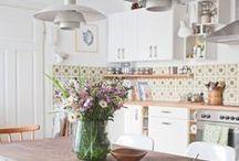 Kitchen / by Allana Rubio