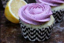 {Cupcakes & Muffins} / by Catie Bellar
