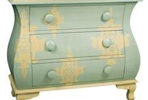 I LOVE painted chests