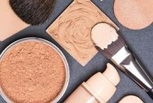 Beauty / All things beauty, like simple DIY beauty routines and makeup tips.