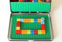 Busy Bags / Must-try busy bags and activity bags kids love. Easy ways to entertain the kids when you're on the go.