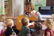 Songbirds Music / Music classes and family friendly events for children and the grownups who love them.