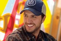 Luke Bryan!!! <3