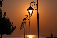 Street Lights & Lamp Posts / by Vicki Stokes