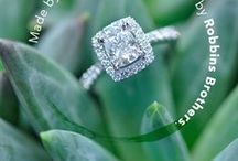 Engagement Ring Buying Guide & Diamond Education / Learn about diamonds, how to buy diamond rings, what the various ring styles are and so much more with Robbin Brothers Learning Center.