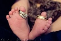 Photography: Newborn / Newborn Photography tips, tricks, tutorials, ideas, posing, backdrops, lighting, and more.