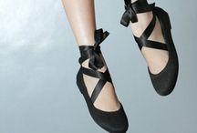 Happy Feet / by ♛Anna Villarta