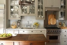 Kitchens / by Suzanne White