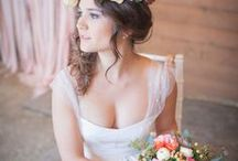 Boho Luxe Bride / Luxurious bohemian bridal style inspiration and ideas. Inspired by diamonds, rose gold and blush tones. Focusing on unique handcrafted high quality embellishments and accessories. Chic, opulent, original feel.
