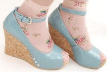 Beauty {Feet <3} / by Alicia Copeland