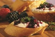 Holiday Hors D'Oeuvres / A selection of #appetizers & finger foods perfect for kicking off your next #holiday meal or party.