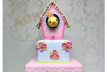 Cakes - Bees, insects & birds / by Maya Bassan
