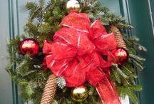 Wreaths / Wreath ideas for home or office settings
