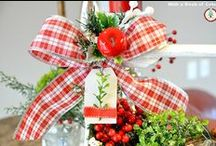 Christmas / Vignettes, beautiful Christmas trees, home decor and more of what makes the season sparkle.