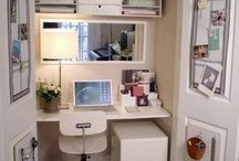 Craft space/sewing room / Closet sewing-craft room