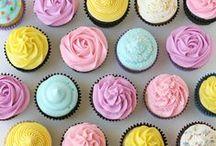 Cupcake Love / Cupcake everything! Cupcakes, buttercream, cupcake toppers, cupcake recipes, cupcake stands, cupcake inspiration