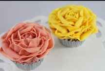 Flower Cakes / by Deborah Hunter