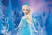 Very Best Disney Frozen Gifts / I love Disney's Frozen movie and so does my young daughter! We love scouting for the very best cute Elsa, Anna, Olaf and more character items and goodies that come from this hit film.