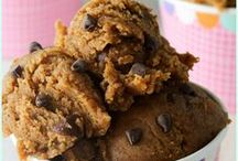 Healthy Cookie Doughs and Dips / Healthy recipes for cookie doughs and dips! Everything you love about delicious creamy cookie dough, but as a healthy sweet snack! You'll find high protein, low fodmap, vegan, and gluten free recipes here, too!