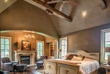 HOME SPACE |:| Master Suite / All that you would need in your master bedroom