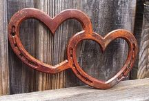 My brother could make this / Welded items made with horseshoes, tools and other upcycled items.