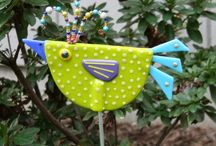 Crafty Schtuff-In the Garden / All the wonderful things to make, plan or do in the garden. Planters, wind chimes, sun catchers, hyper turfs, cement, plaster, bird feeders, bird houses, bird baths, mosaics & more.