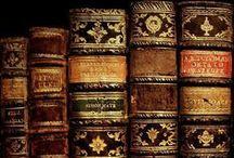 Vieux livres / Old Books / by Louise Sanfaçon