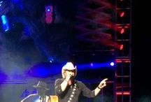 MUSIC-TOBY KEITH / TOTALLY TOBY KEITH.......COUNTRY MUSIC SUPERSTAR! AWESOME SONGWRITER......