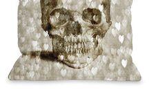 Nice pillows... / by Rayna Horowitz