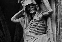 gargoyles / sculptures