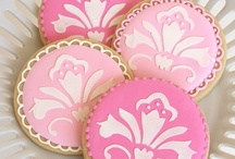 Cookies / I like some for their beauty and some for their taste / by Ramza Hitti-Pogachar