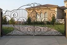 Garden:  Driveway Gate Designs / by Rose Sniatowski