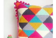 Crochet ideas / Crochet patterns, inspiration and tutorials for every level, from beginner projects to advanced. I've also pinned some stitch/technique guides too!