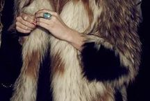 Chic Coats / by Courtney Fedge