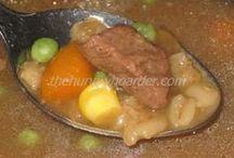 soups,chilis / by Jennifer Wagg