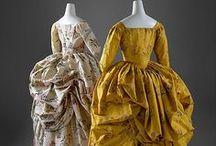XVIIIe - Robe à l'anglaise retroussée