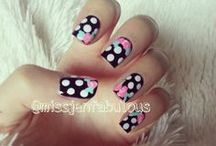 Nailsss. / by Tiffany Templemire