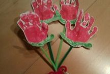 Mothers Day Craft for Kids / Mothers Day Craft Ideas for Kids to enjoy! This board will keep kids busy creating so many crafts for Mothers Day. Easy Crafts for Kids to do!!