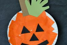 Halloween Crafts For Kids / Easy Halloween Crafts can be cheap and easily made into fun crafts. This board covers the craft for children of any age. Preschool, Nursery, Reception up to going to high school. Fun and Easy Crafts For Kids!! Make Monster Craft, Pumpkin Craft, Paper Plate Craft, Spider Craft, Ghost Craft, TP Roll Crafts. Spooky Crafts For Halloween!!